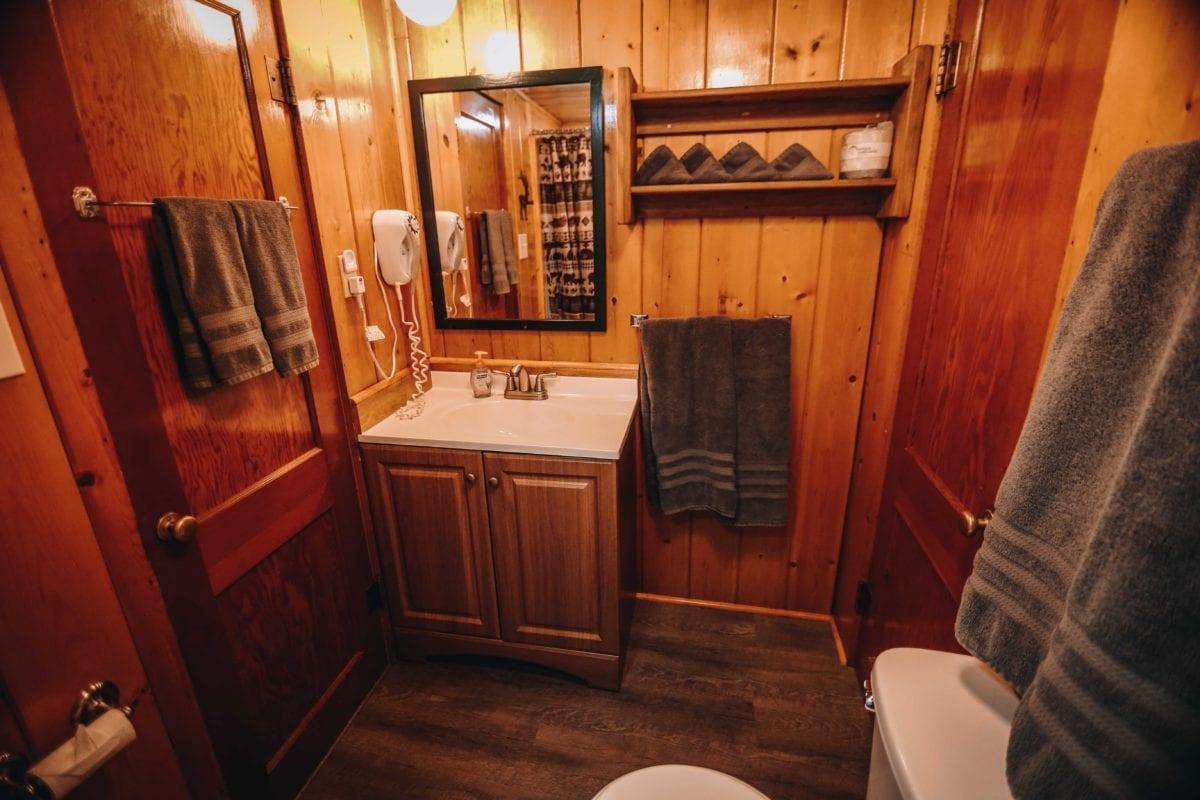 Cabin 20 bathroom.